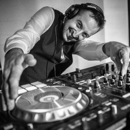 DJ HuwelijkDJ BruiloftDJ